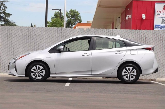 Pre-Owned 2016 Toyota Prius Two Eco